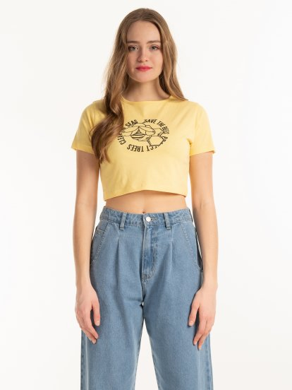Cotton crop top with graphic print
