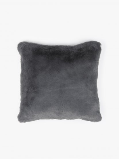 Faux fur pillow 45x45cm