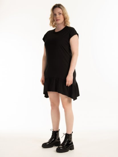 Basic dress with ruffle