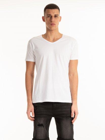 Basic slim fit v-neck t-shirt
