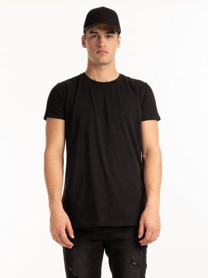 T-shirt basic o dopasowanym kroju