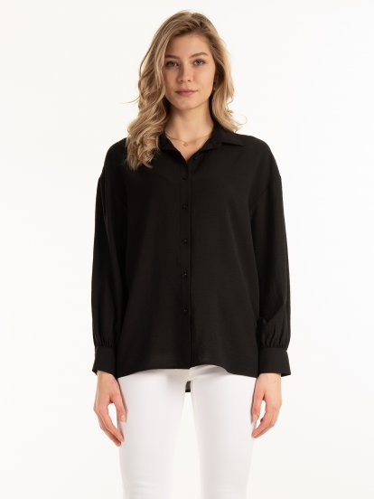Textured blouse with puff sleeves