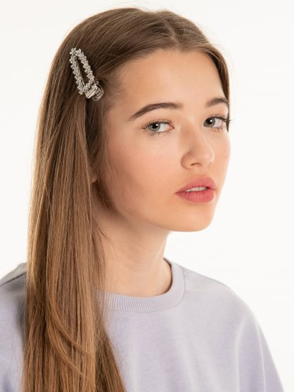 2-pack hairgrips with faux stones and faux pearls