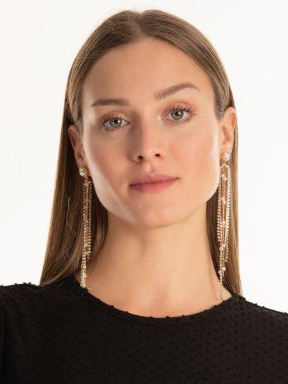 Long earrings with faux pearls