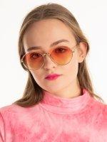 Okrągłe okulary przeciwsłoneczne