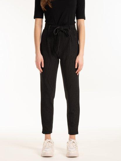 Spodnie z kieszeniami w paski