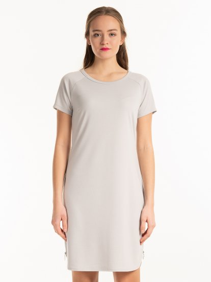 Plain dress with side zippers