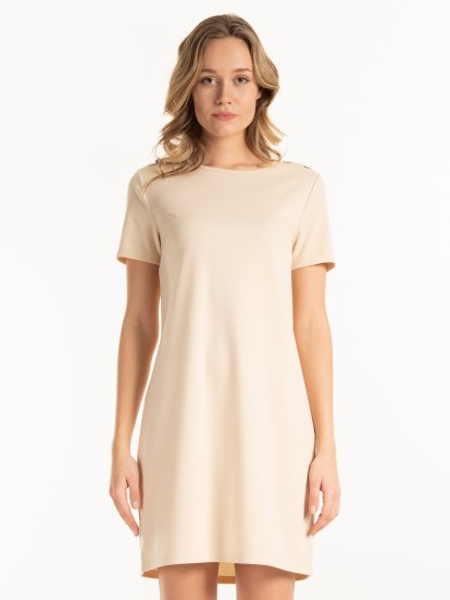 Plain dress with buttons