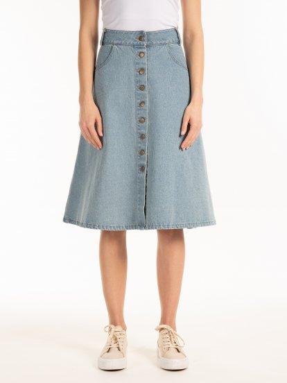 Denimová sukňa s gombíkmi