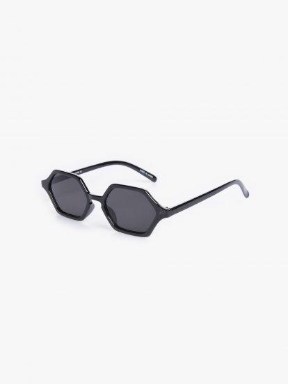 Čtvercové sluneční brýle
