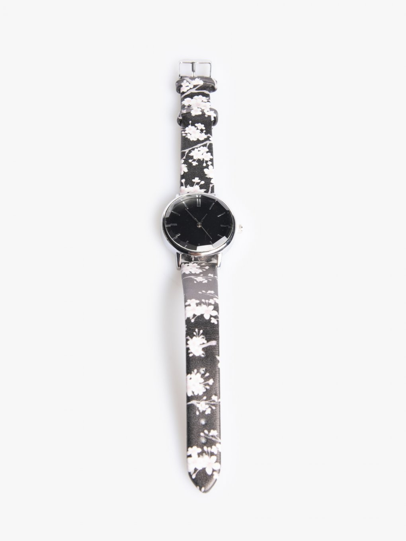 Watch with flower design