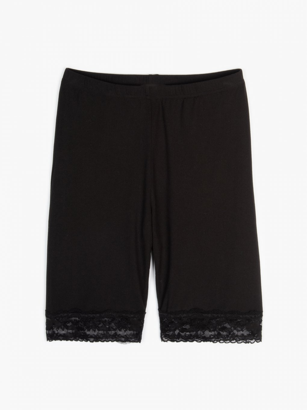 Cycling shorts with lace
