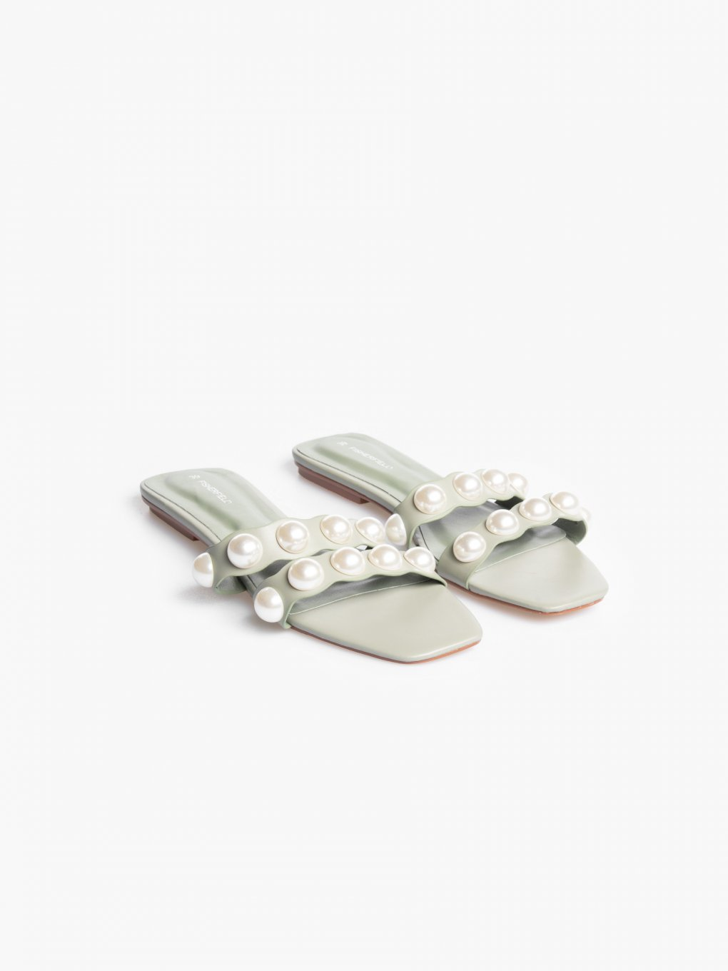 Slides with pearls
