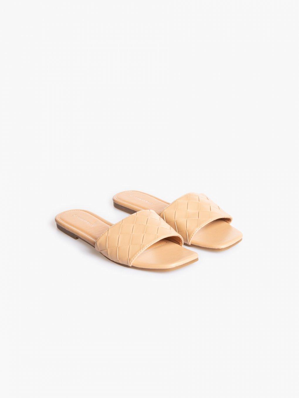 Plain slides