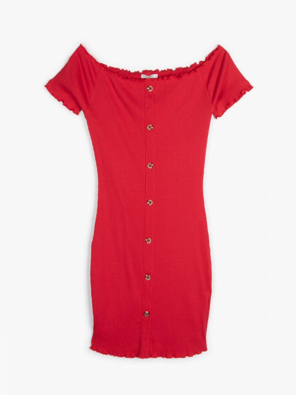 Obtiahnuté šaty s odhalenými ramenami