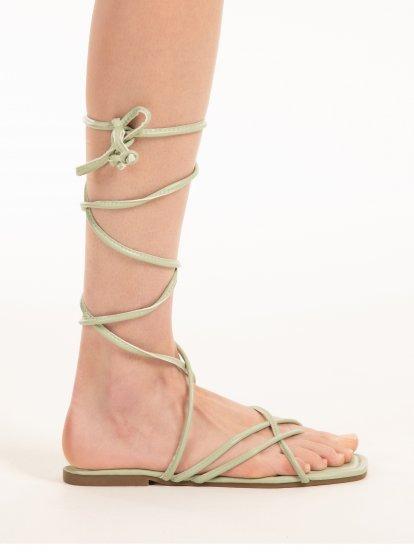 Šnurovacie sandále