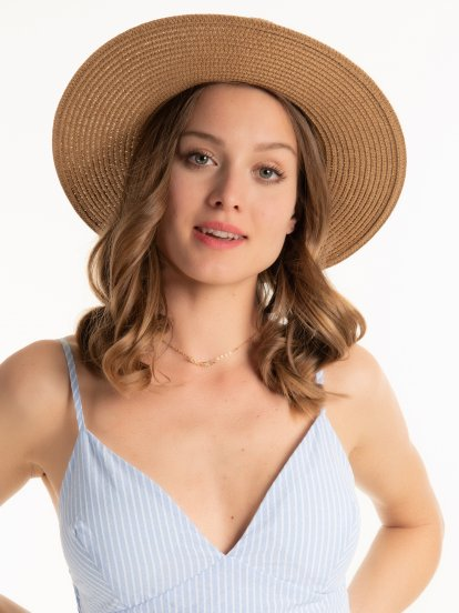 Fedora hat with shells