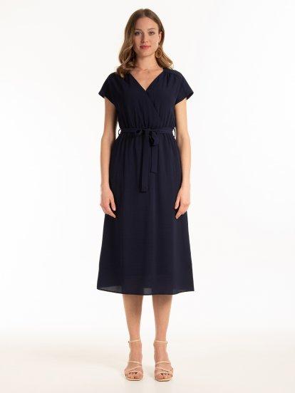 Jednofarebné šaty midi