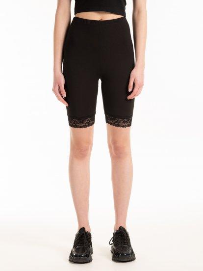 Cyklistické šortky s krajkou