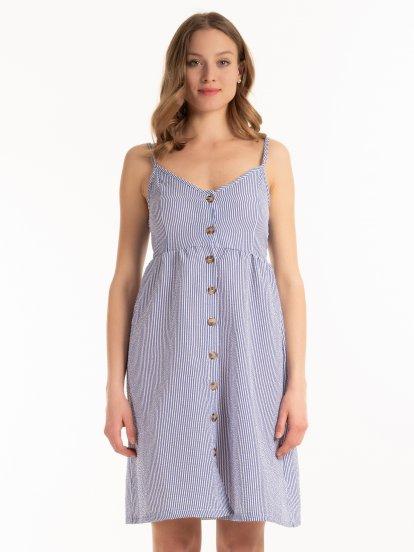 Prúžkované šaty na gombíky