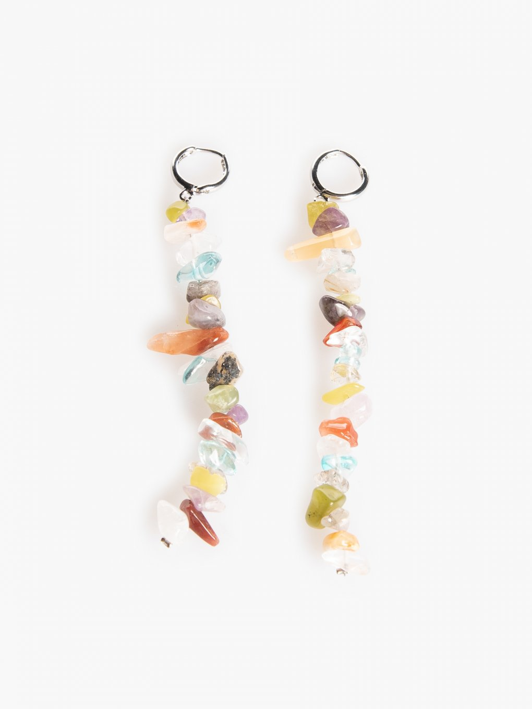 Długie kolczyki z kolorowymi kamyczkami