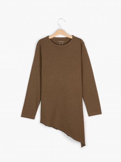 Bavlnené tričko s asymetrickým lemom