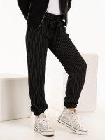Prúžkované nohavice jogger fit