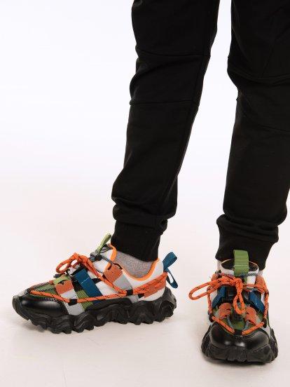 Chunky sneakers