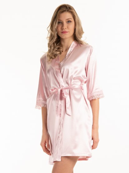 Satin dressing gown with lace