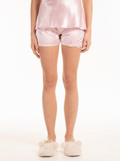 Saténové pyžamové šortky s krajkou