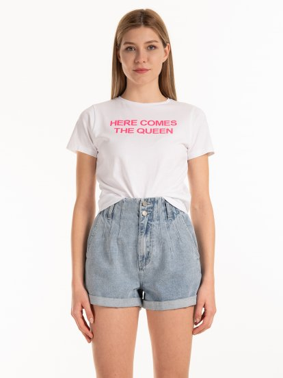 Krótka bawełniana koszulka z nadrukiem