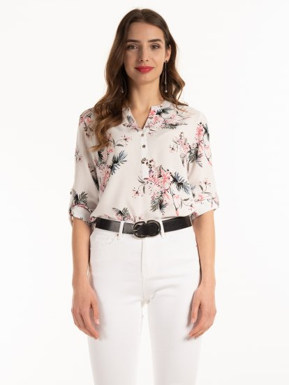 Roll-up sleeve blouse