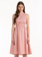 Bavlněné šaty s výkrojem na zádech