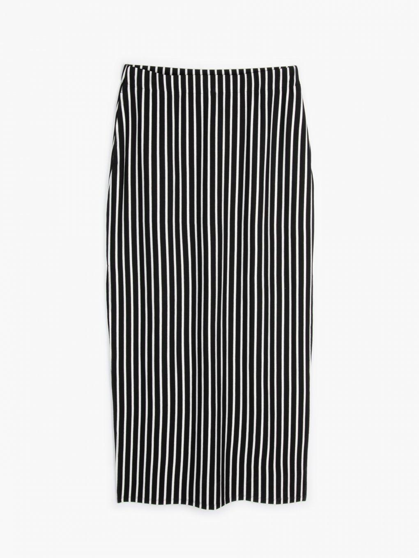 Dlhá prúžkovaná sukňa