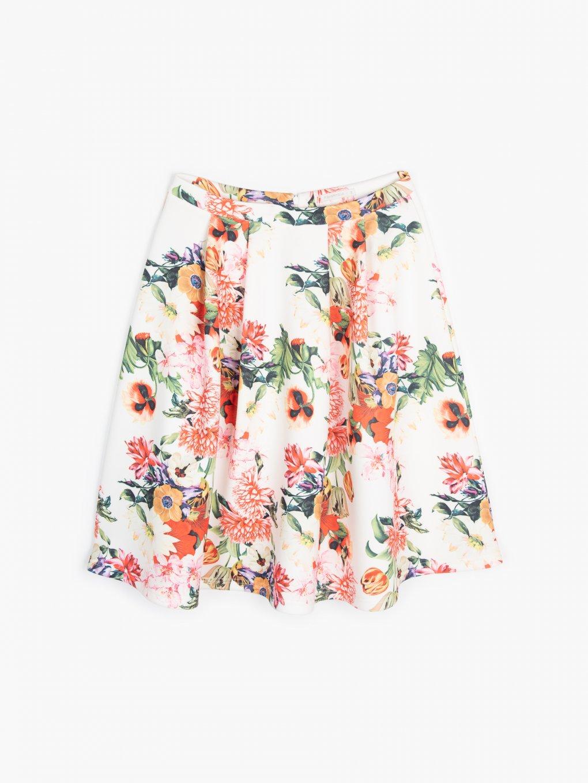 Spódnica o linii A z kwiatowym nadrukiem