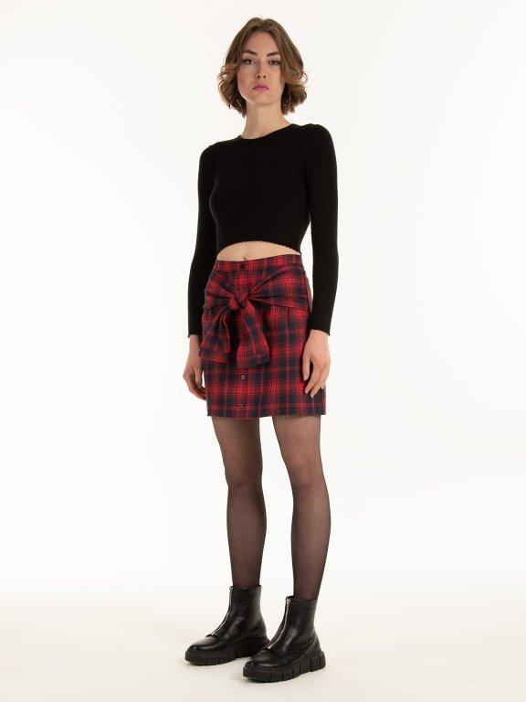 Károvaná sukně s knoflíky a uzlem z falešných rukávů