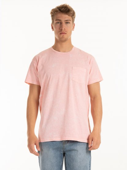 Koszulka z kieszenią na piersi