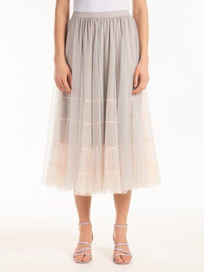 Dlouhá tylová sukně