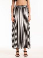 Dlouhá pruhovaná sukně