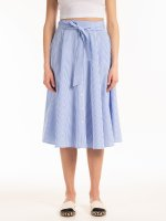Kostkovaná sukně midi