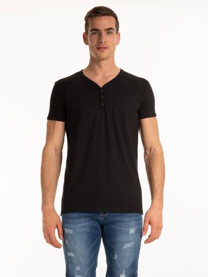 T-shirt basic z dzianiny zapinany na guziki