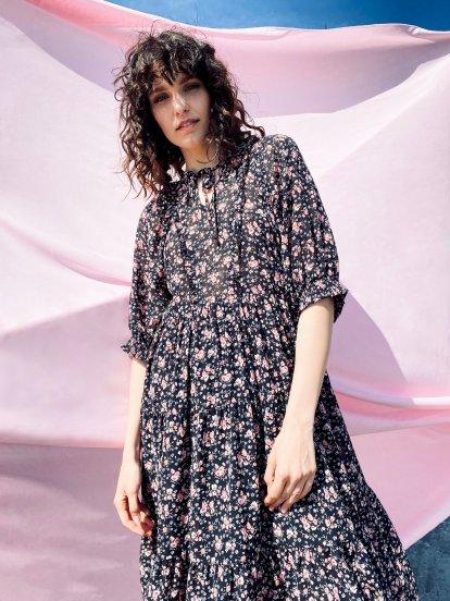 Szyfonowa sukienka midi w kwiaty
