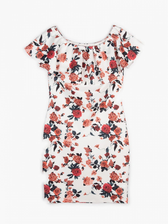 Priliehavé kvetované šaty