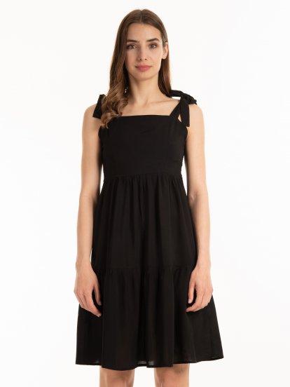 Sukienka z falbanami na ramiączkach do wiązania