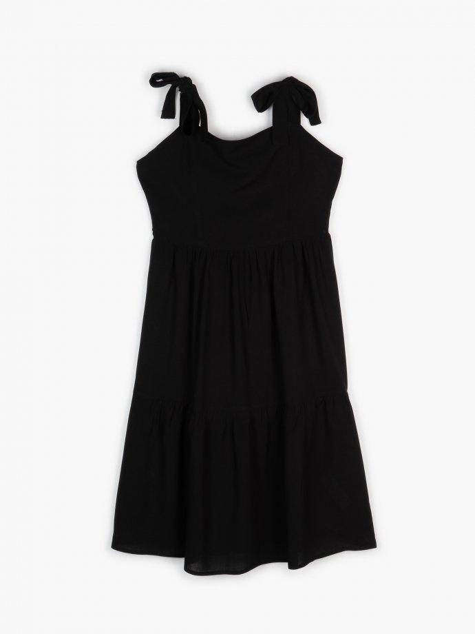 Volánové šaty s ramienkami na viazanie