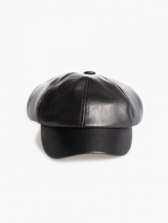 Čepice z imitace kůže