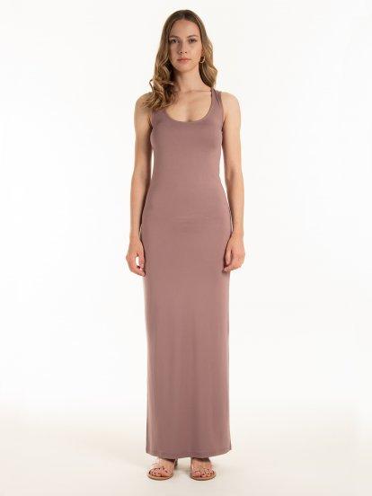 Dlouhé přiléhavé šaty