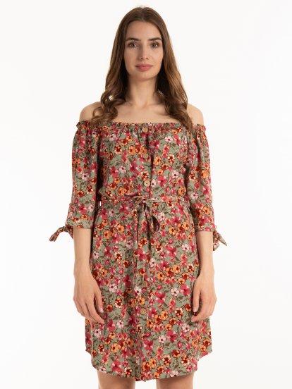 Květované šaty s odhalenými rameny