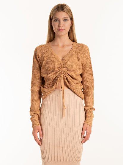 V- neck pullover