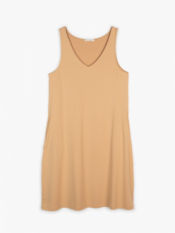 Basic dress with pockets